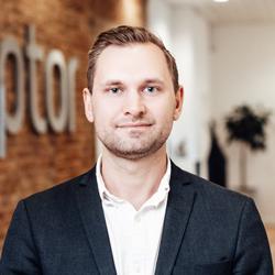 Jeppe Godske Olsen - global director in raptor services