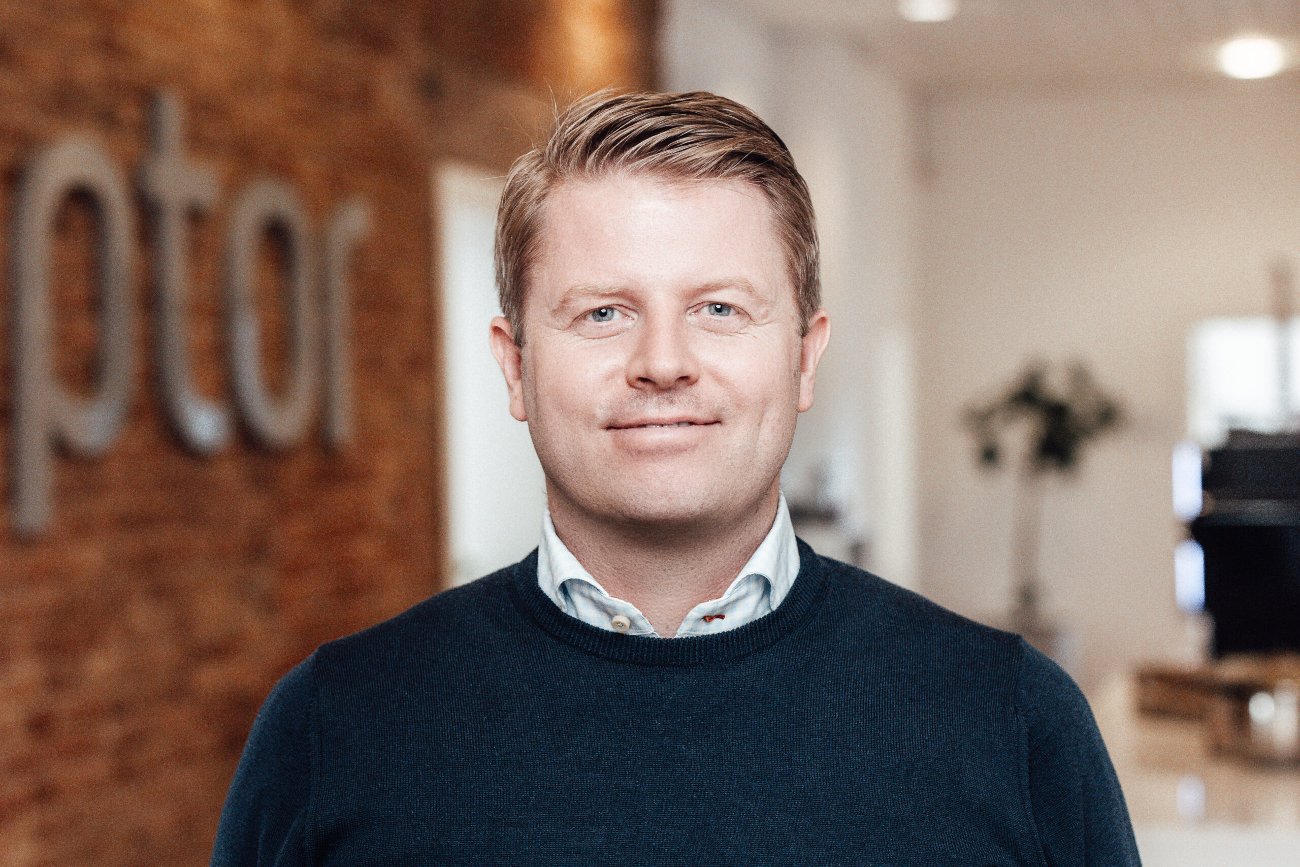 Kenneth Boll, CEO at Raptor Services